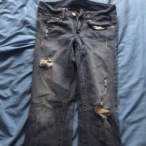 AE Size 6 Short Jeans